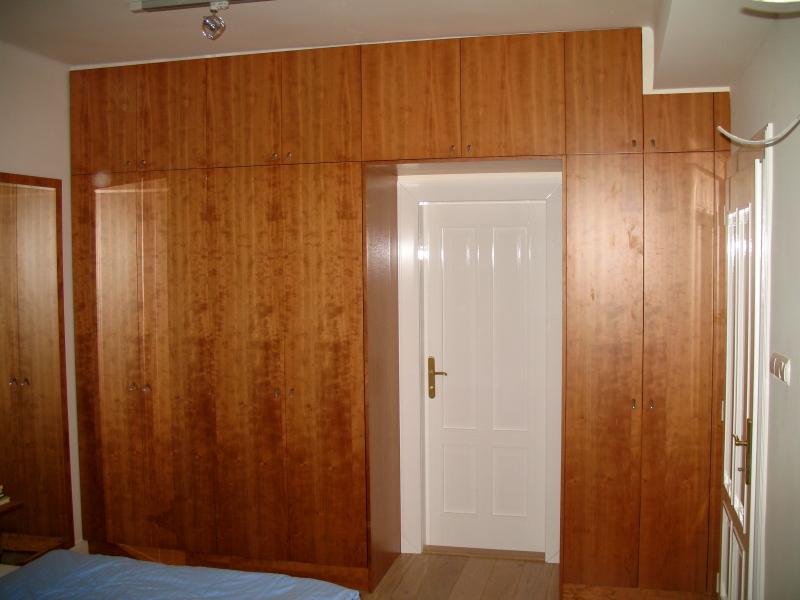 skrine-c-01.jpg